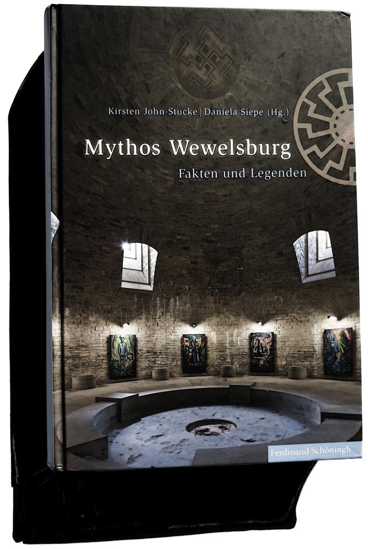 Kirsten John-Stucke, Daniela Siepe (Hg.), Mythos Wewelsburg, Fakten und Legenden, Paderborn 2015.